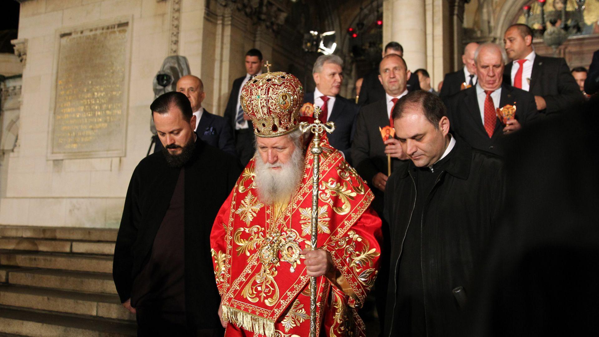 Патриархът отслужи пасхалната вечерня за Второто Възкресение