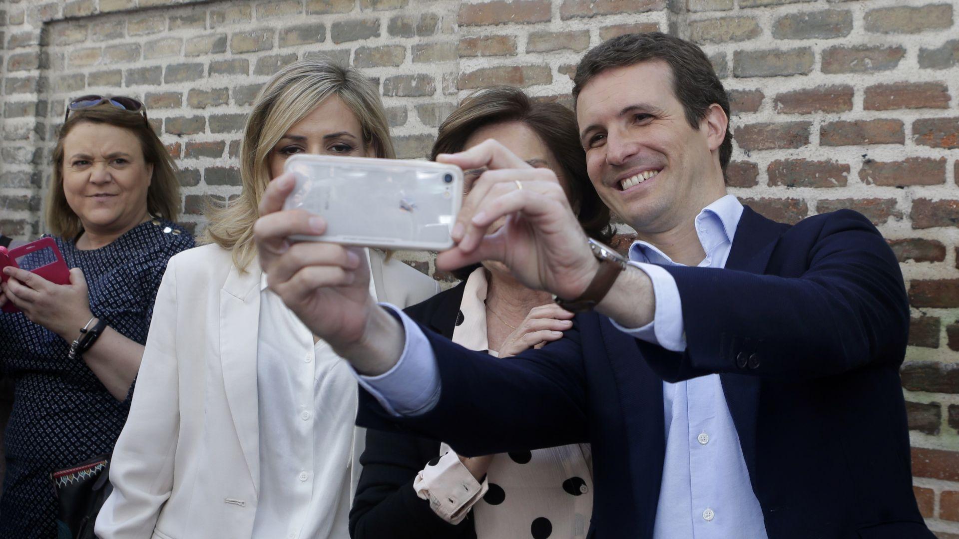Испанците гласуват на предсрочни парламентарни избори