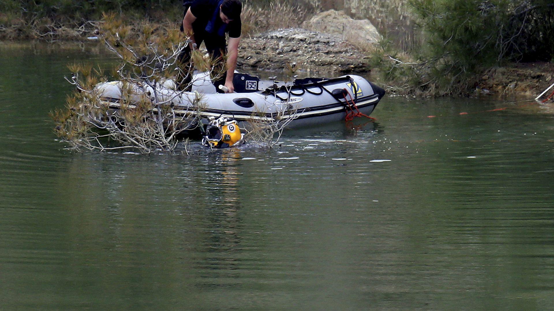 Откриха останки от жертви на кипърския сериен убиец в куфари в езеро