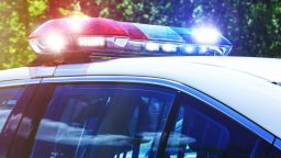 15-годишен се заби в светофар с крадена кола при гонка с полицията