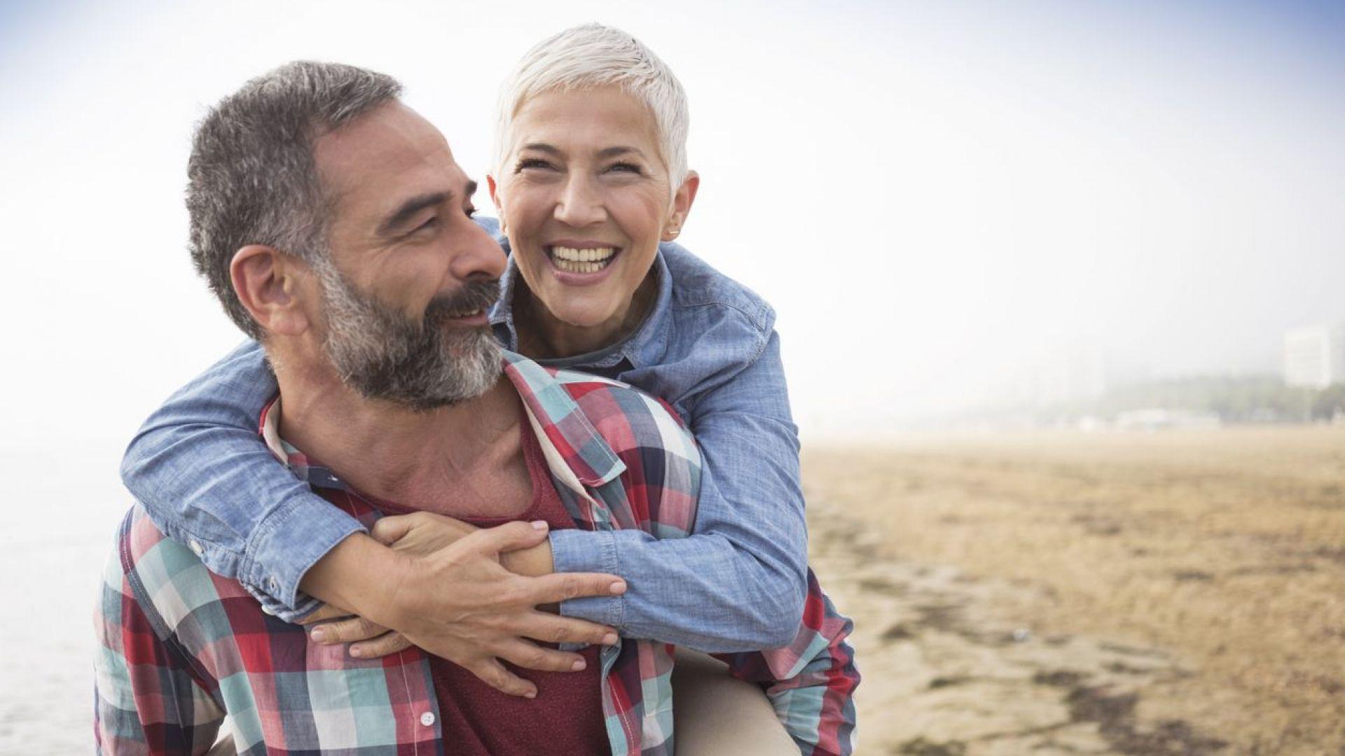 Двойките с щастлив брак живеят по-дълго