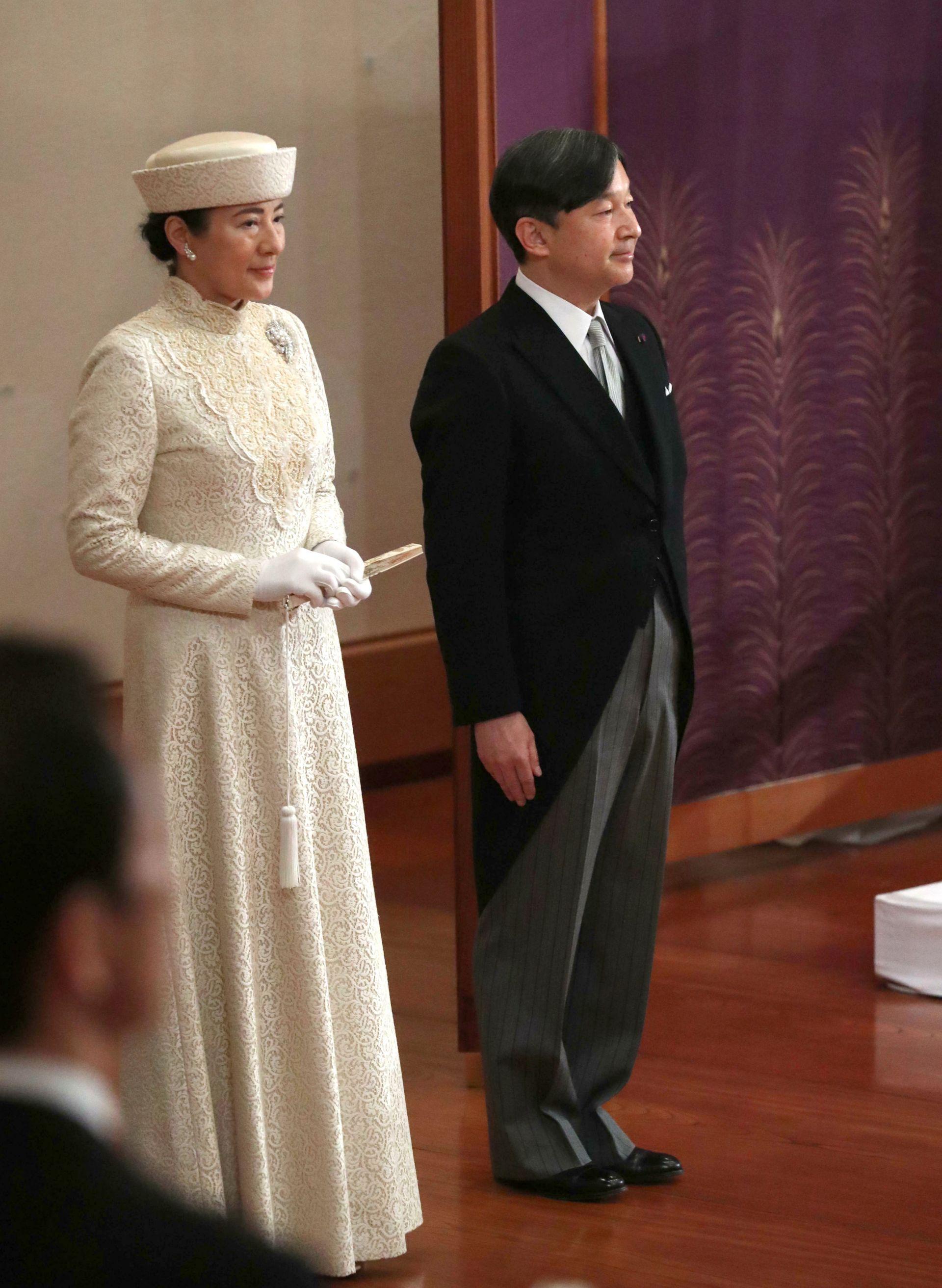 Японският принц Нарухито и принцеса Масако присъстват на церемонията по абдикацията на император Акихито в Имперския дворец в Токио