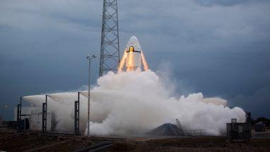 SpaceX тества евакуационната система за астронавти