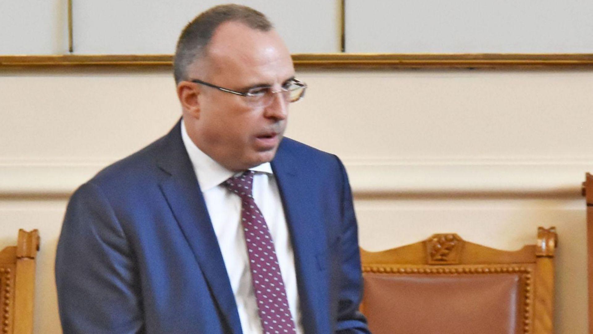 """Румен Порожанов поискал лично оставка от зам.-шефката на ДФ """"Земеделие"""""""