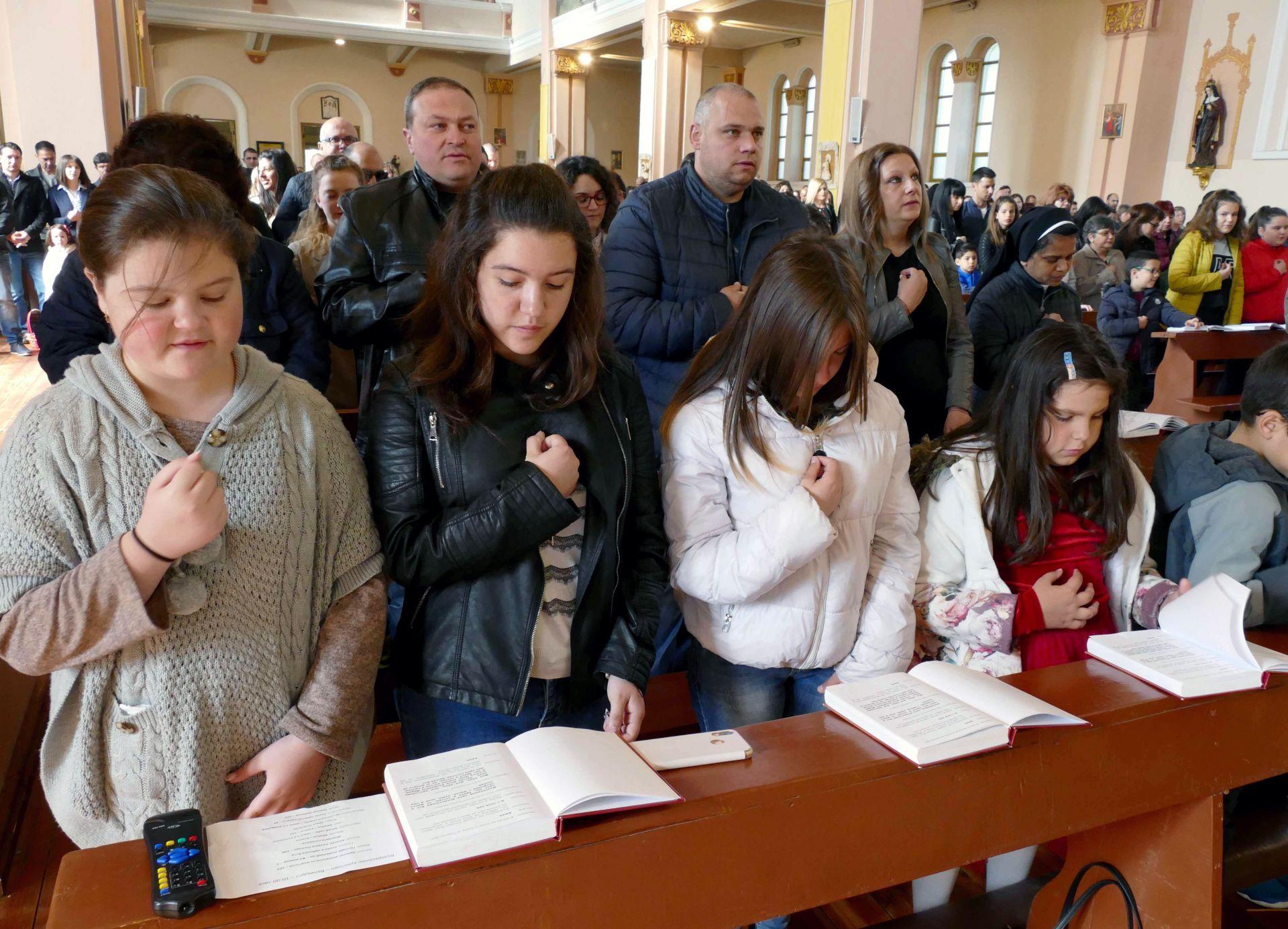 """жителите на Раковски често наричат града си - """"крепост на яката вяра"""""""