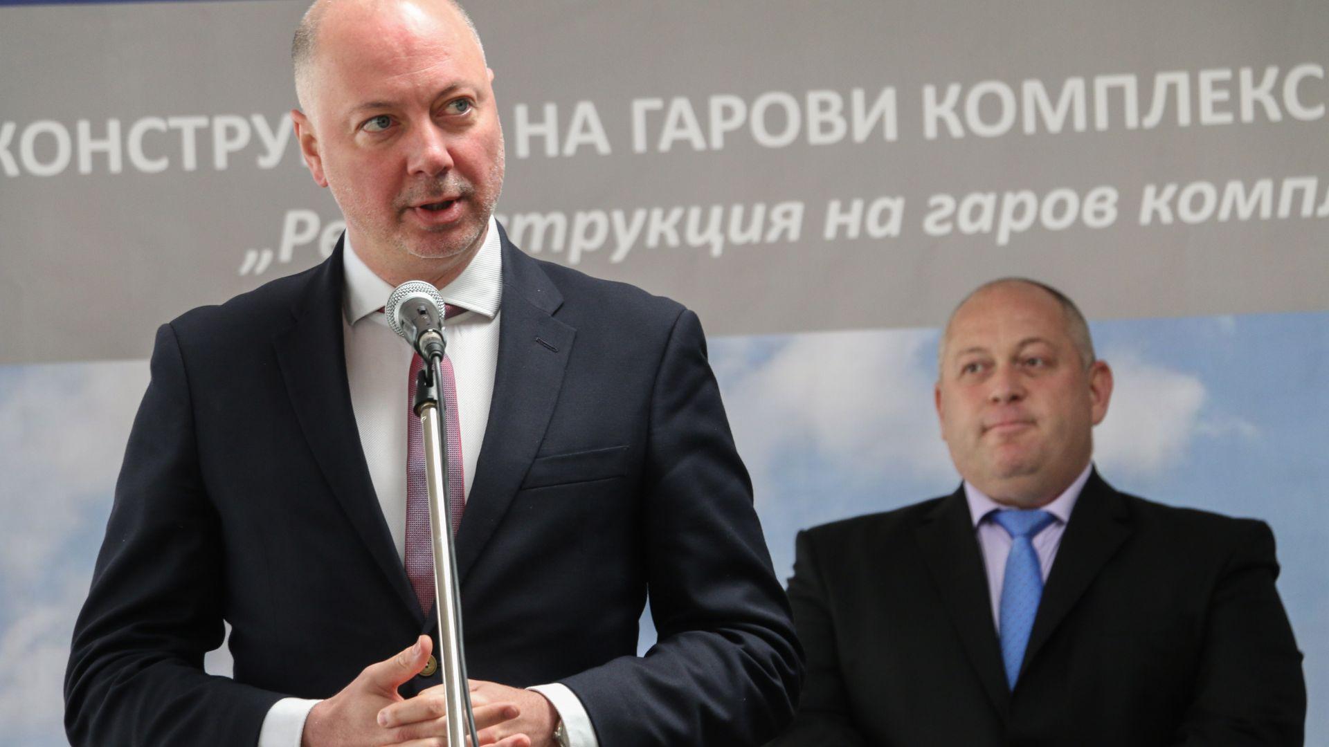 Министър Росен Желязков назначи одит във въздухоплавателната администрация