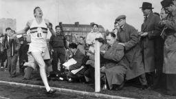 65 години от подвига на Роджър Банистър, променил спорта завинаги (видео)