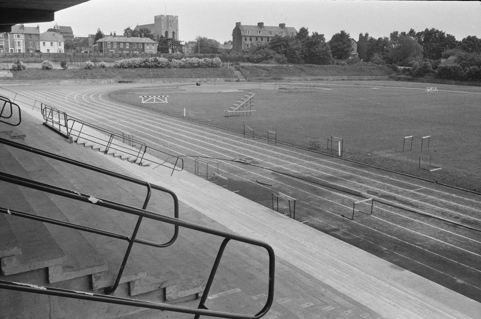 """Стадионът в Оксфорд, на който счупи невъзможния код на """"4-минутната миля"""" носи името му днес"""