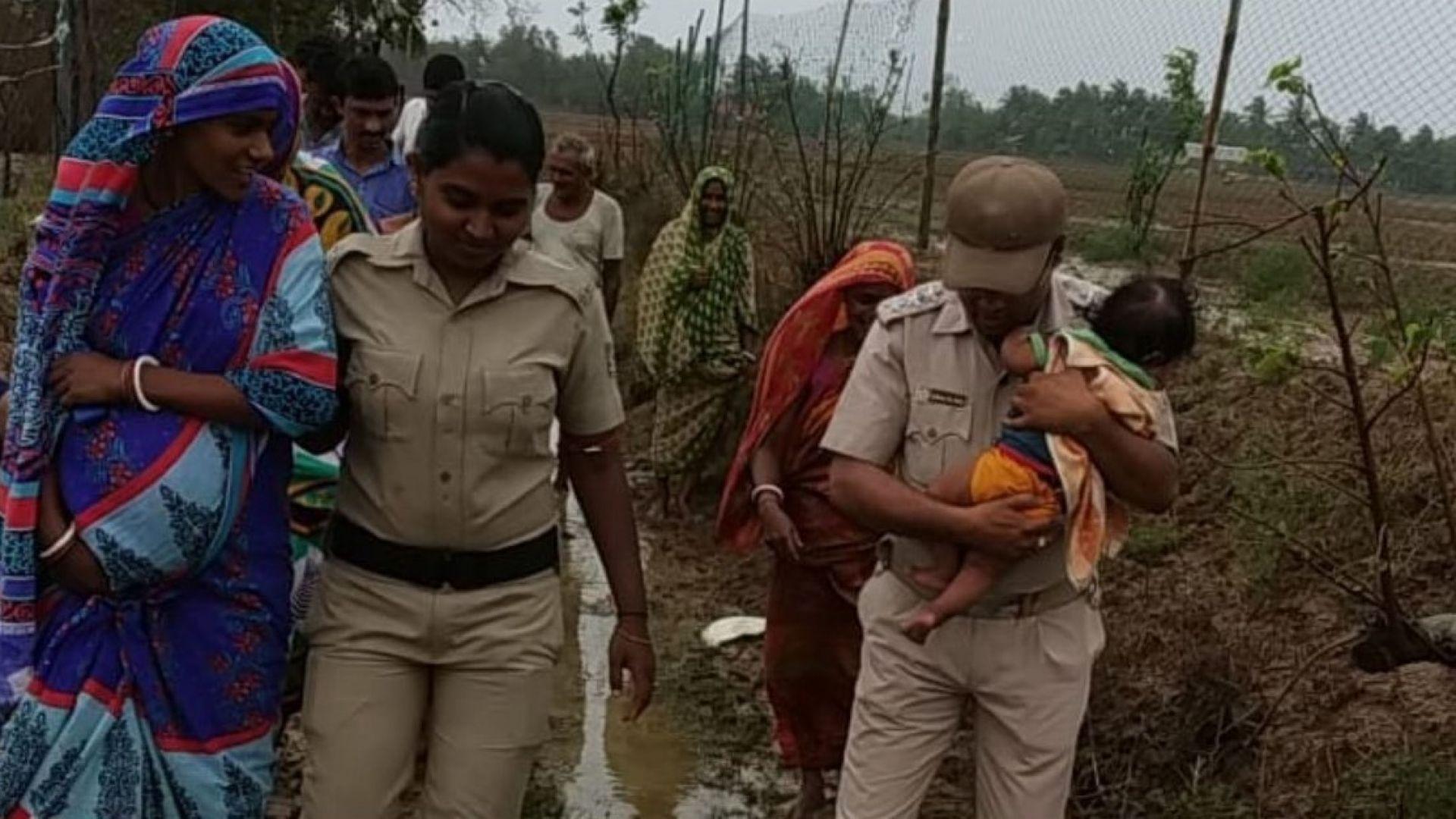 Един милион души евакуирани заради циклона Фани