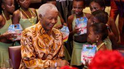 Картина на Нелсън Мандела бе продадена за над 100 хиляди долара