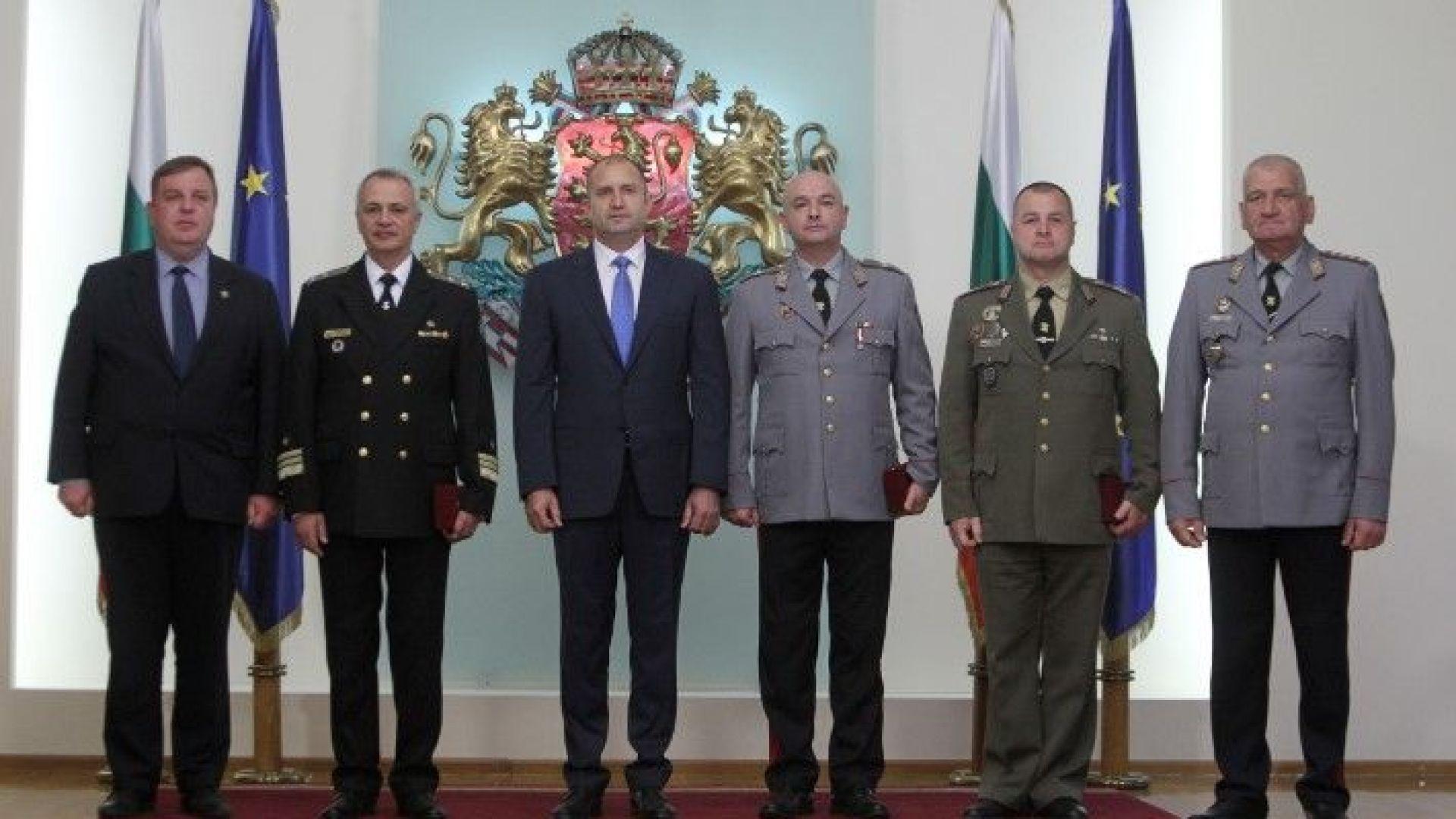 Радев към висши офицери: Служете на България отговорно и всеотдайно