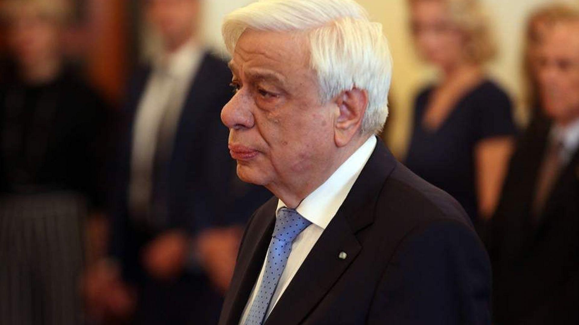Самолетът на гръцкия президент кацна аварийно на о-в Крит