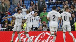 Реал се върна на победния път с експериментална атака