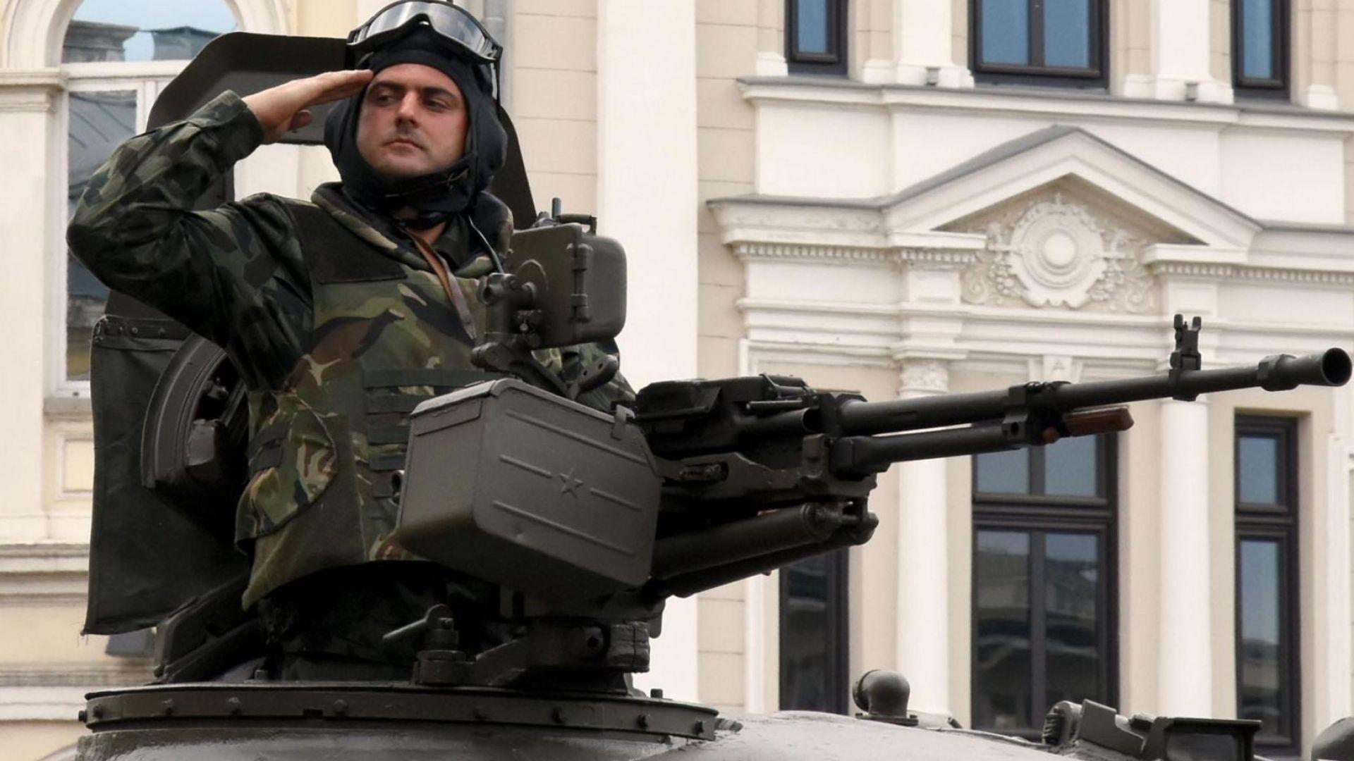 Доклад: Армията ни може да изпълнява задачите си по мисиите, но с ограничения