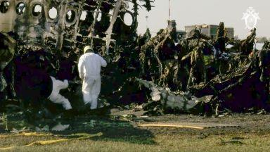 Пътници в горящия руски самолет заснели началото на ужаса (видео)