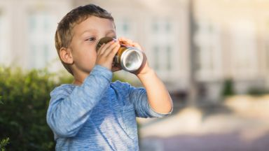 Учени оспориха ползата от диетичните безалкохолни за децата
