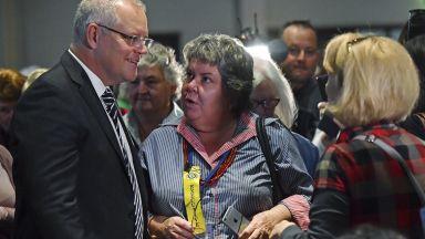 """Скандал в Австралия - замериха премиера с яйце, той се закани на """"подлите активисти"""""""