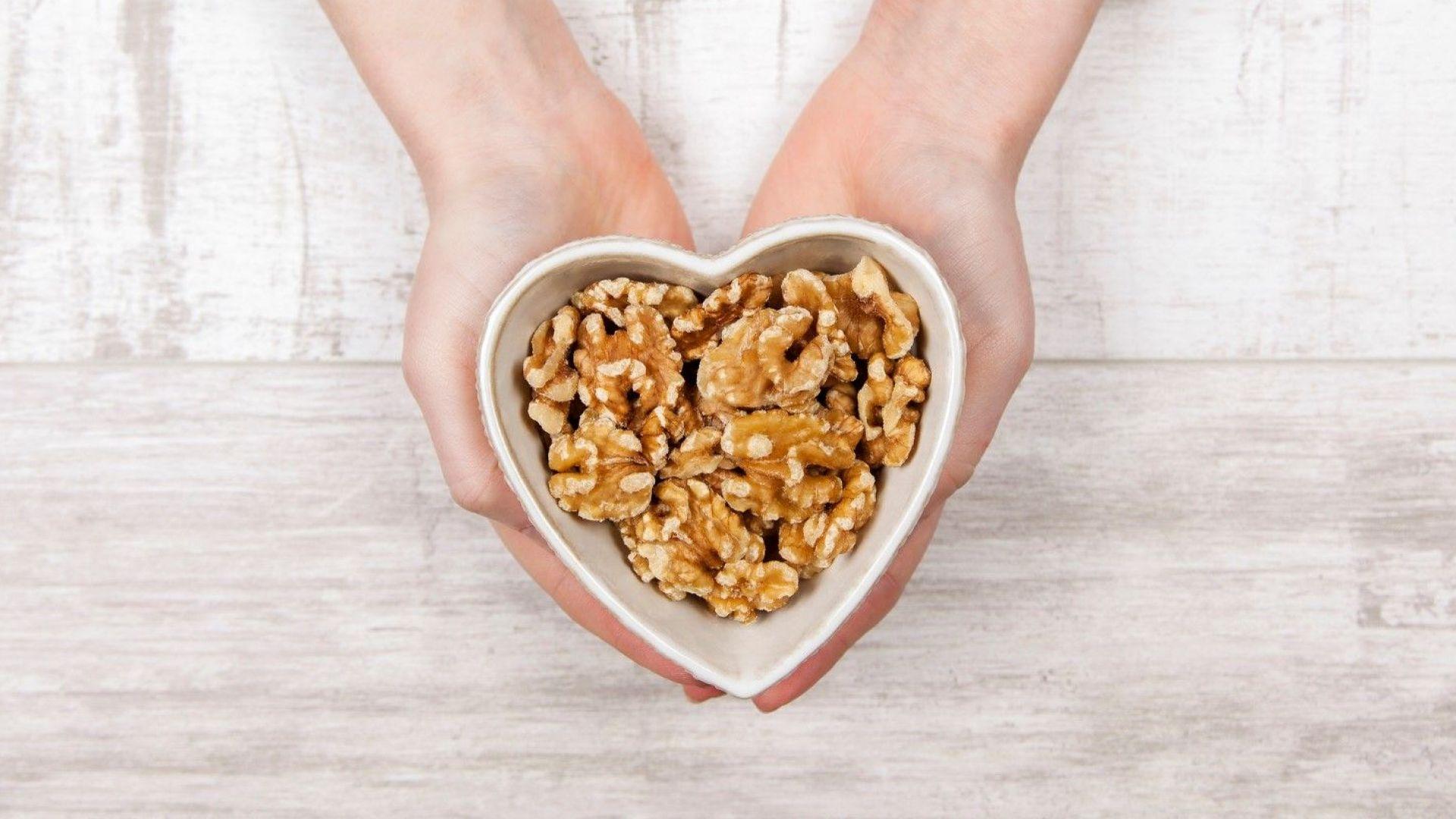 Орехите понижават кръвното налягане