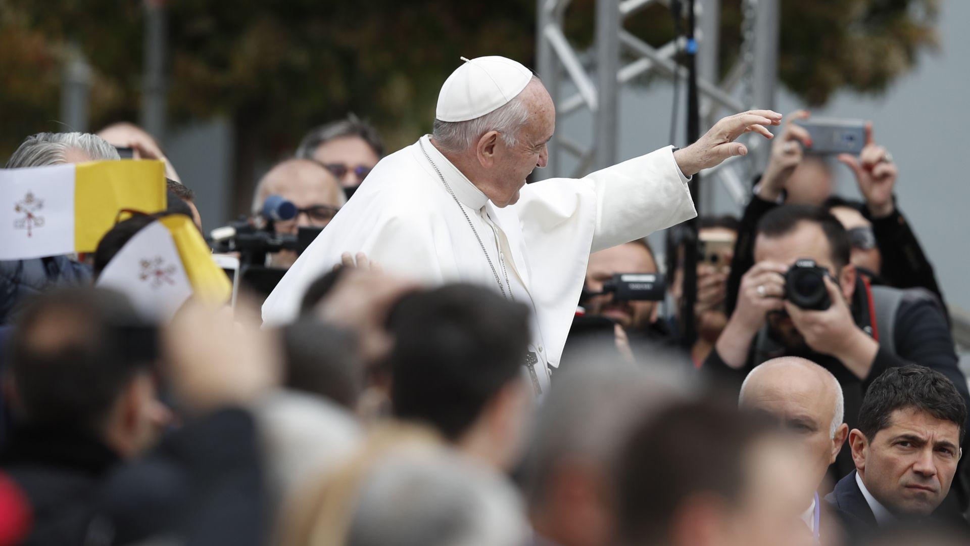 Папа Франциск: Северна Македония има вековни традиции и е напълно различна страна от България