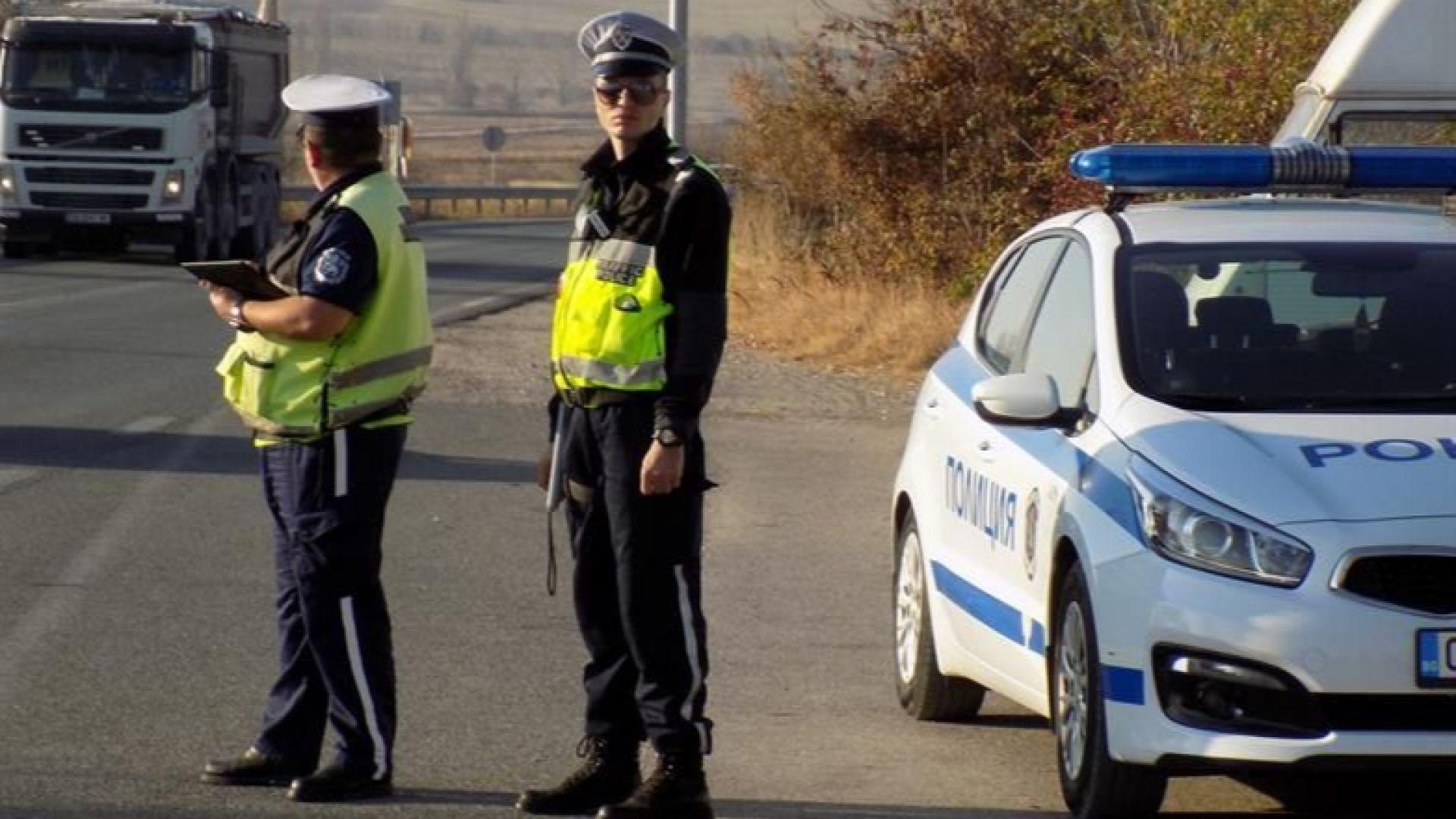 Полицията преследва джигит, минал на червено през няколко светофара