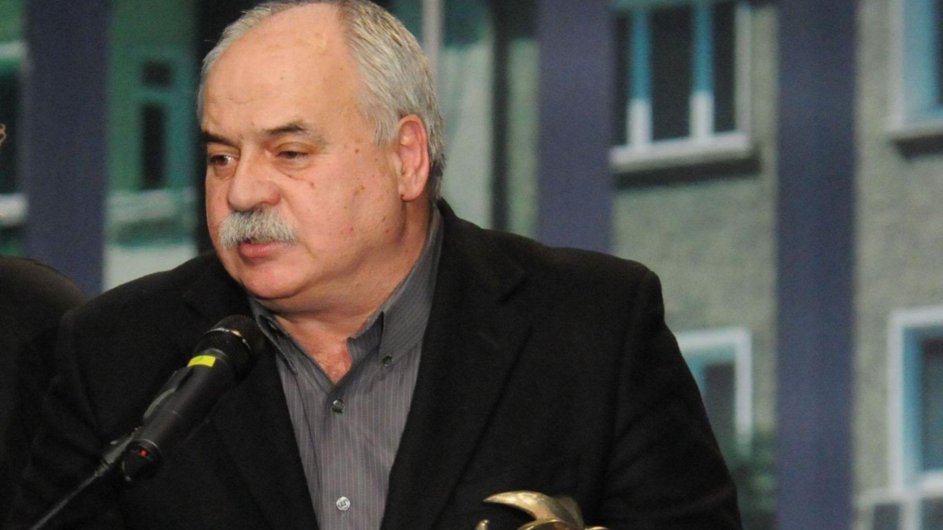 """Правителственият """"Фалкон"""" върна Павел Васев от Москва, режисьорът вече е в """"Пирогов"""""""