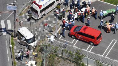 Жена уби с кола 2 деца и рани още 11 в Япония