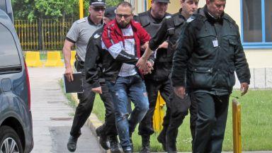 Румъния ни предаде петима от най-голямата банда за телефонни измами