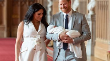"""Децата на новозеландско семейство се оказаха с """"кралски"""" имена"""