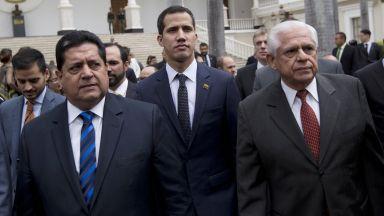 Арестуваха дясната ръка на Гуаидо, обвиниха него и още опозиционни депутати