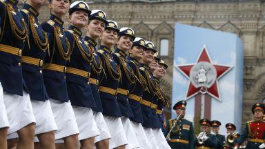 Парадът на Червения площад мина без авиация