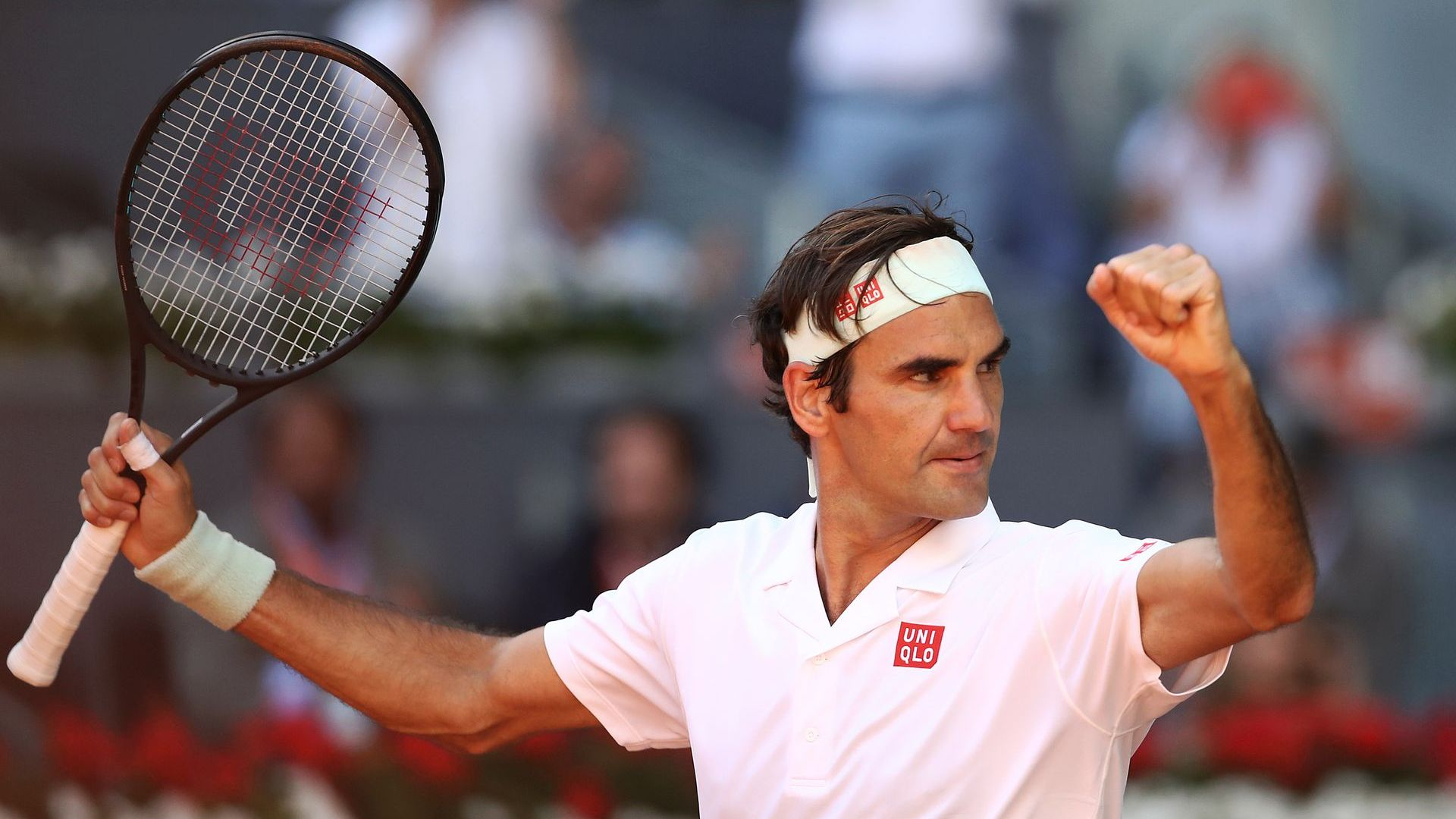 Федерер триумфира в грандиозен и исторически мач
