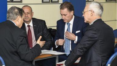 Бизнесът сезира Цацаров за скъпия ток на енергийната борса