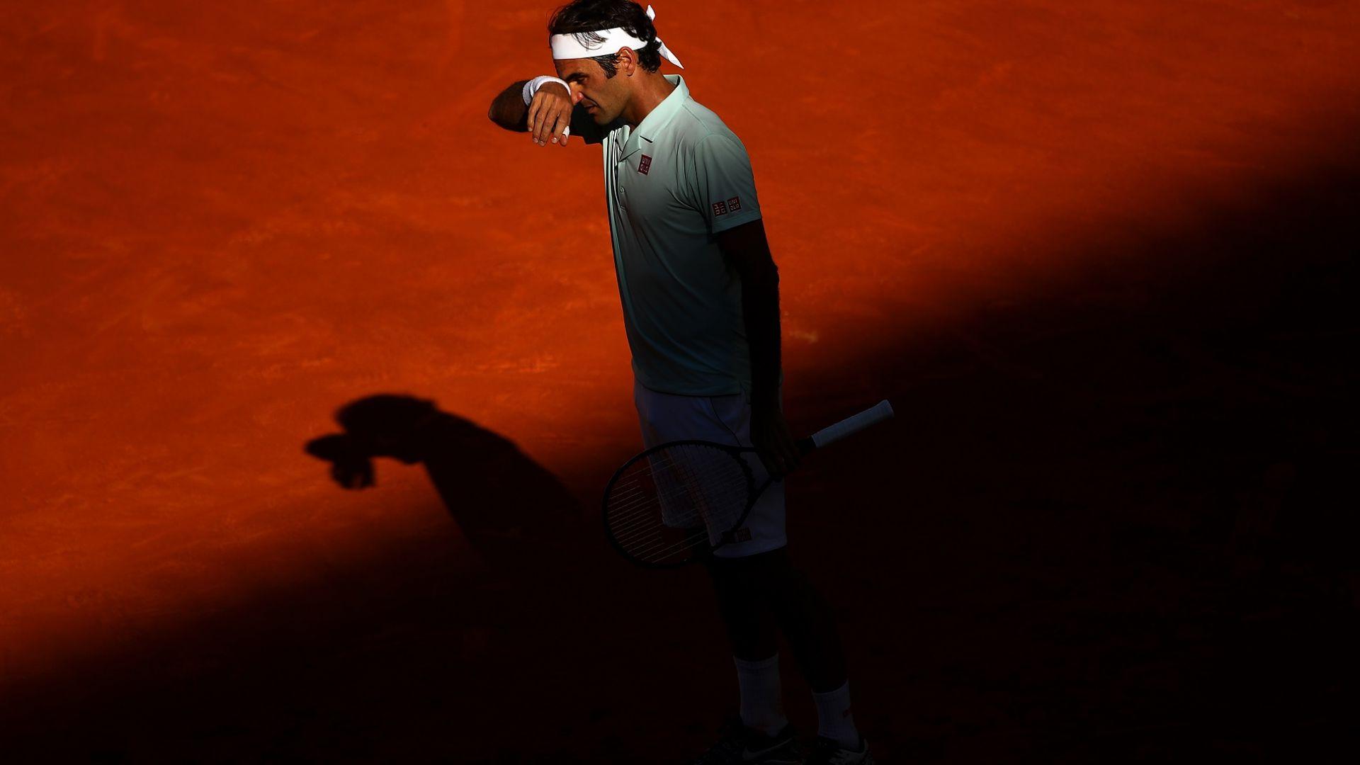 Федерер събра багажа след драматичен обрат