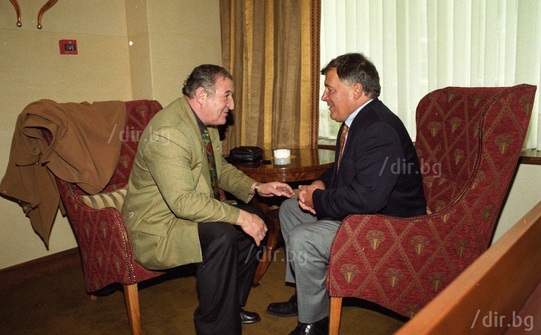С Димитър Пенев, декември 2000 г. / Снимка: Иван Григоров /