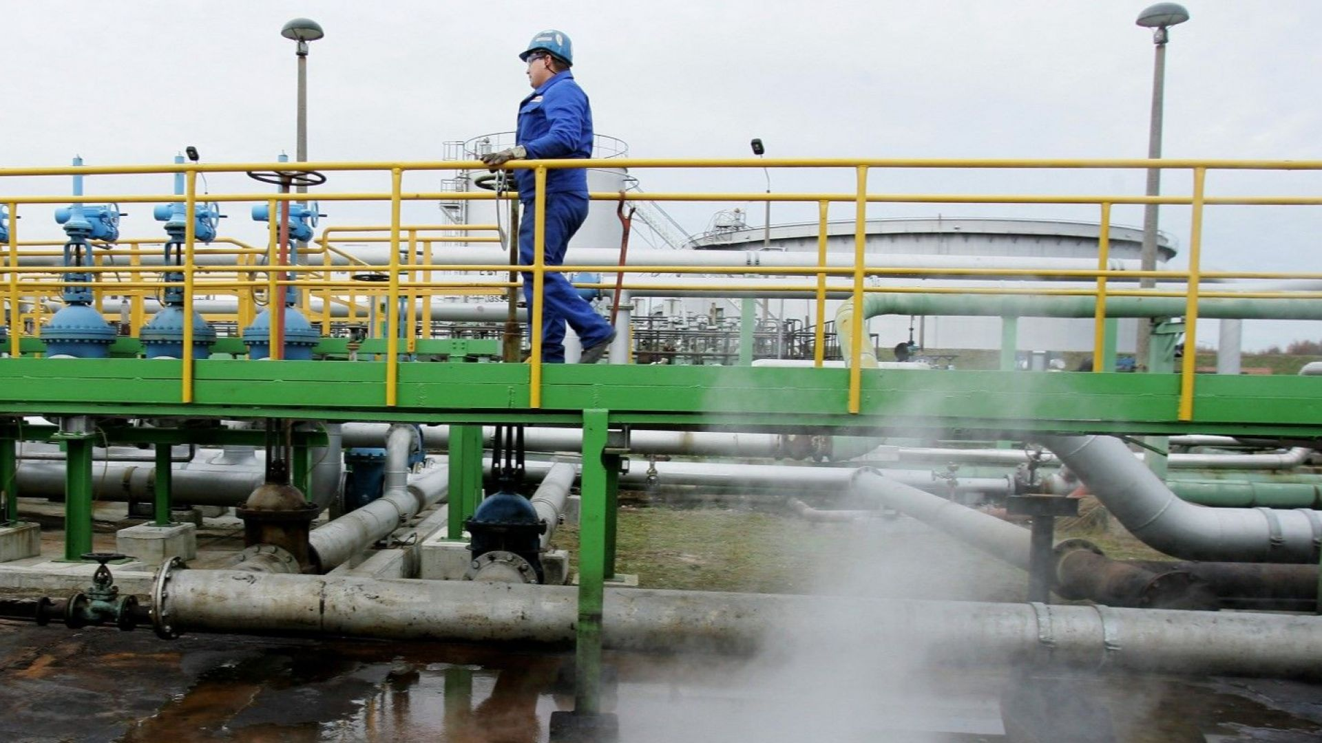 Украйна пусна руския петрол към Европа