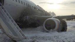 Слаба подготовка на пилотите е една от версиите за катастрофата на руския самолет