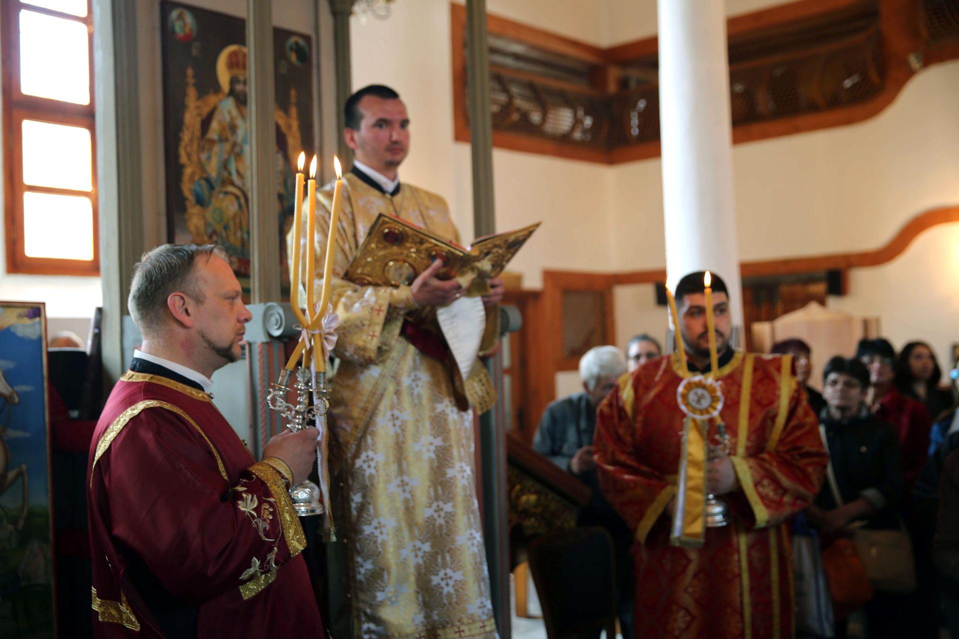 Старозагорският митрополит Киприан ръководи църковната служба