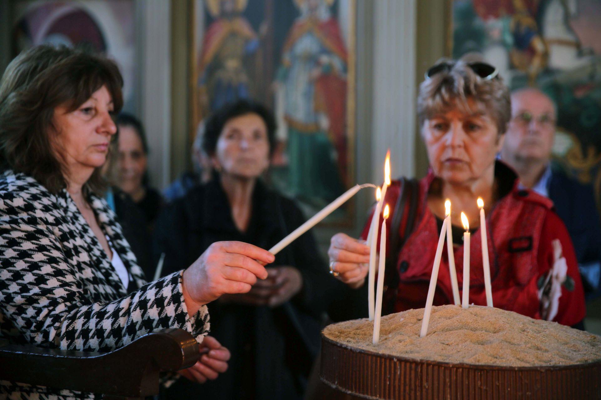 Храмът посрещна много миряни, гости от града, България, Истанбул