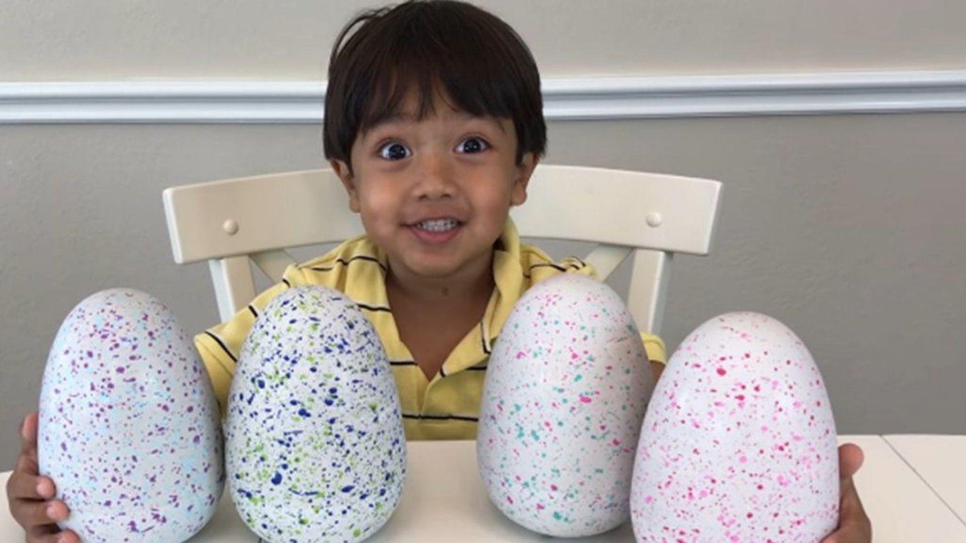 7-годишен прави 22 млн. долара годишно в YouTube