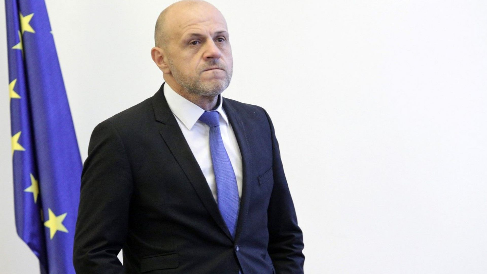 Дончев предложи отново за обществено обсъждане данък доход за общините