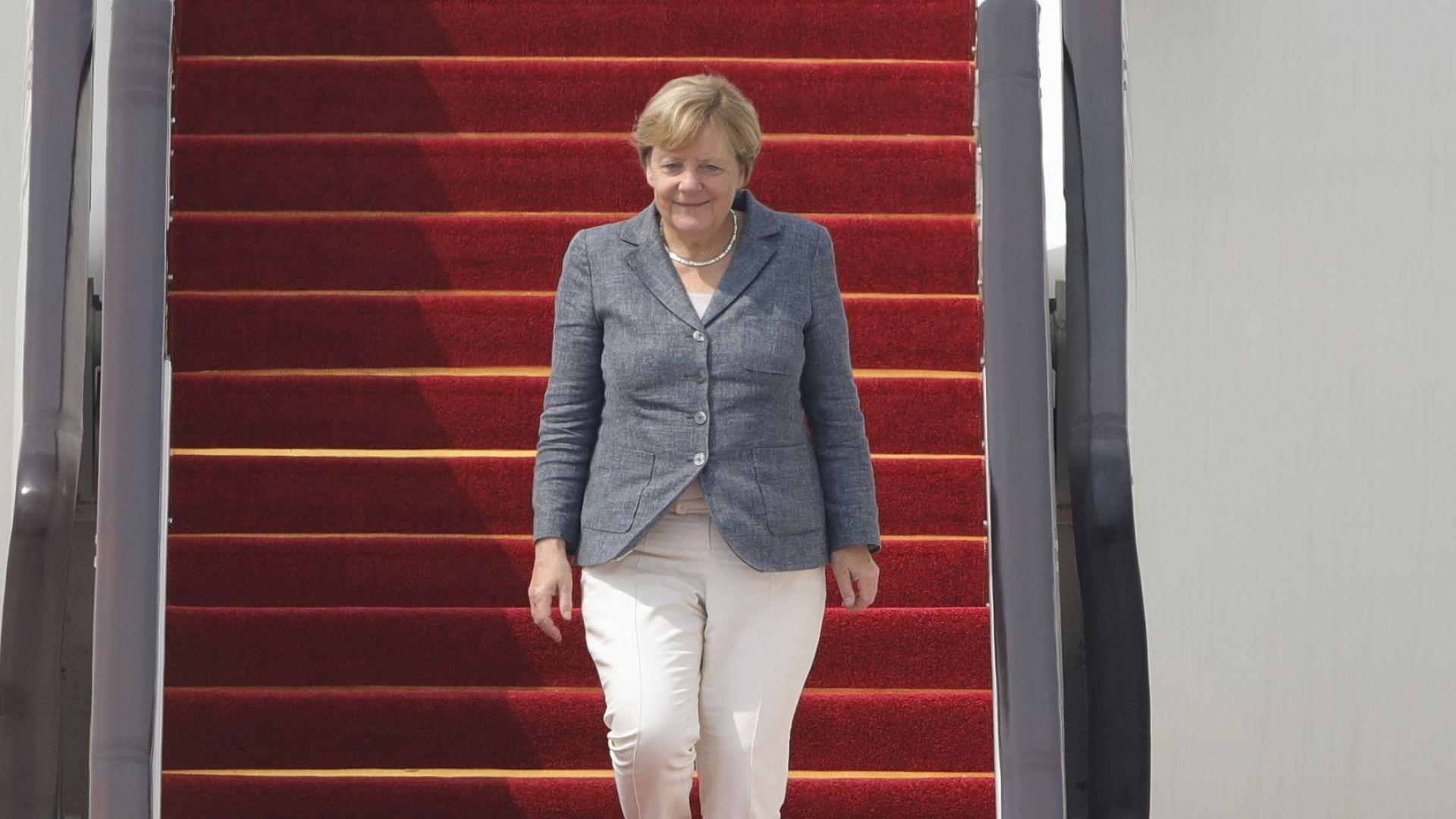 Нов инцидент със самолета на Меркел