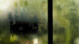 """""""Двоен прозорец"""" - изящен разказ за табутата, за пропастта между поколенията, за куража и чудото на новата любов (откъс)"""