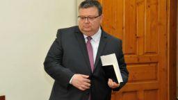 Цацаров разпореди проверка за увеличените партийни субсидии