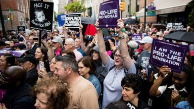 Противничка на забраната на абортите в САЩ поиска вазектомия за мъжете над 50 г.