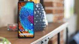 Motorola ще представи смартфон с 5х оптично увеличение