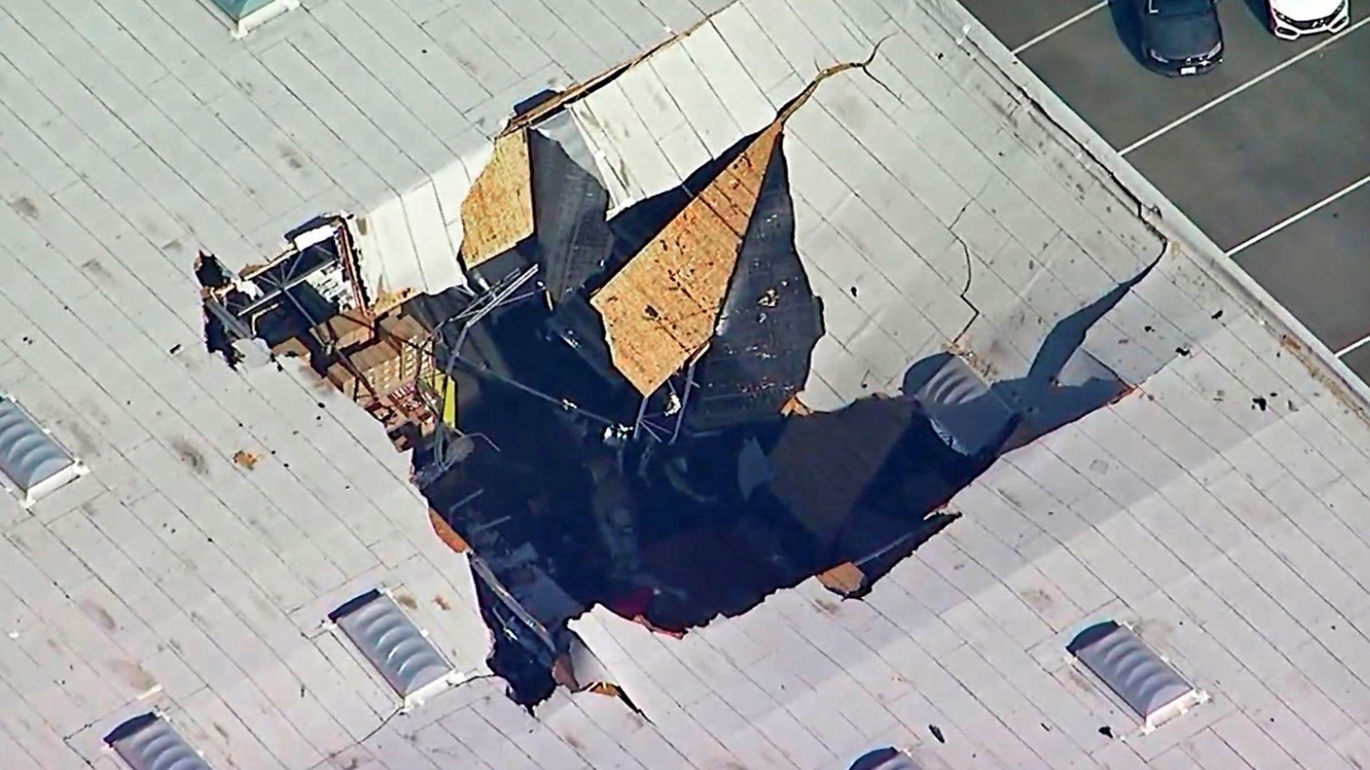 Изтребител F-16 се разби в Калифорния (видео)