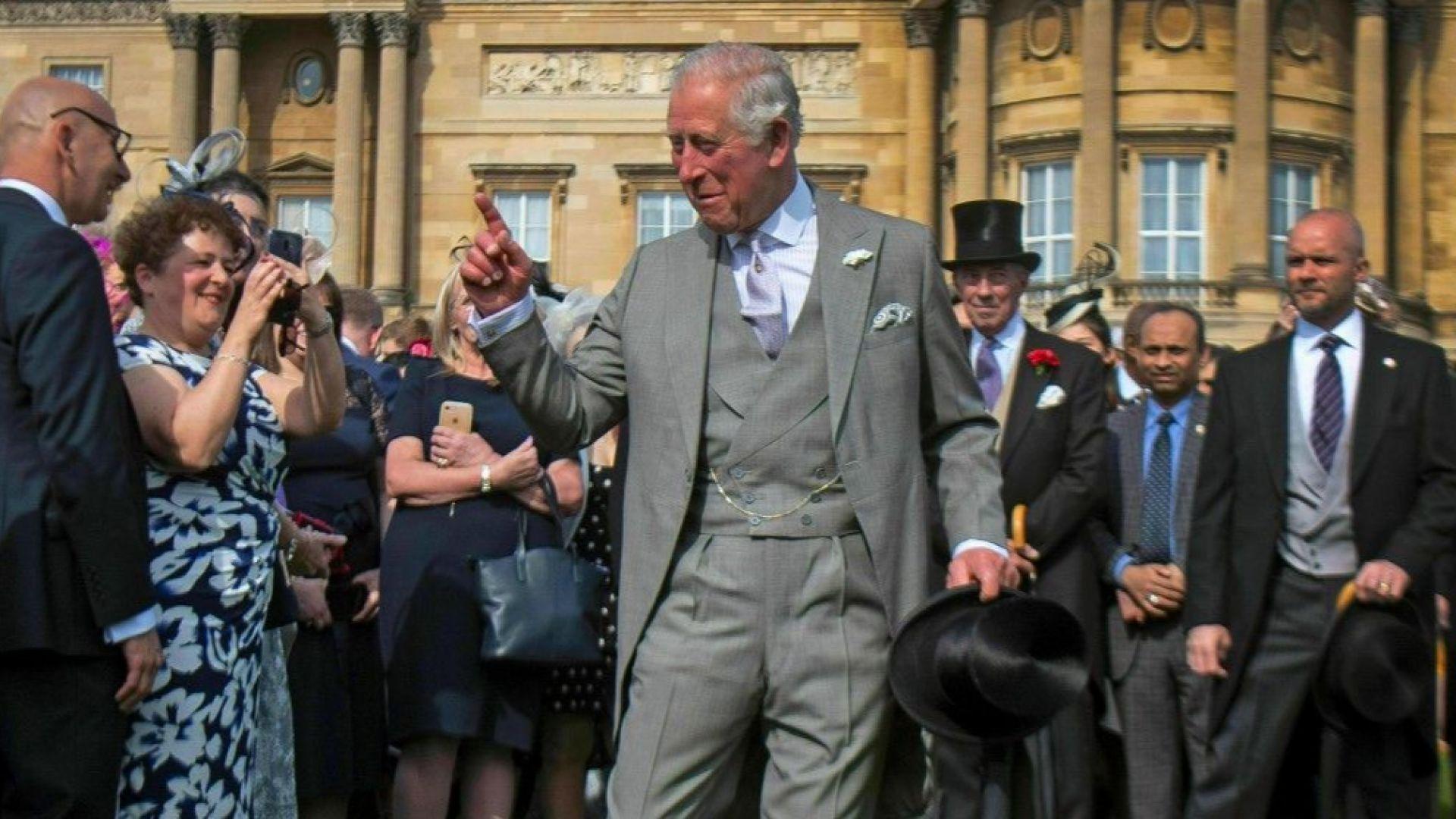 Принц Чарлз посети новородения си внук