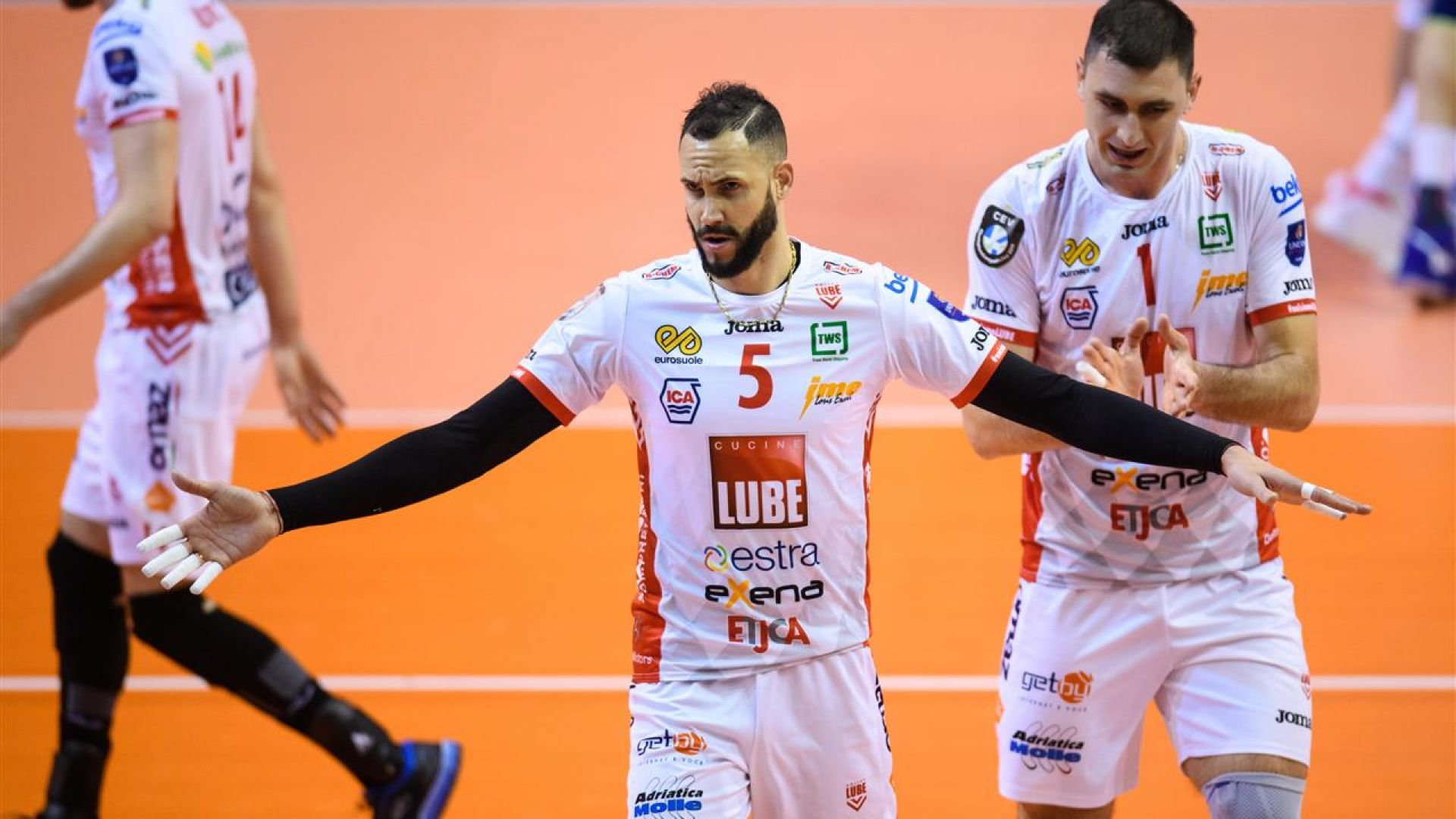 Цветан Соколов триумфира в Шампионска лига!