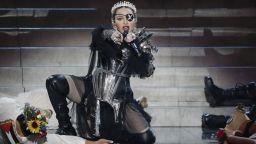 Израелска министърка разкритикува Мадона заради палестинските знамена