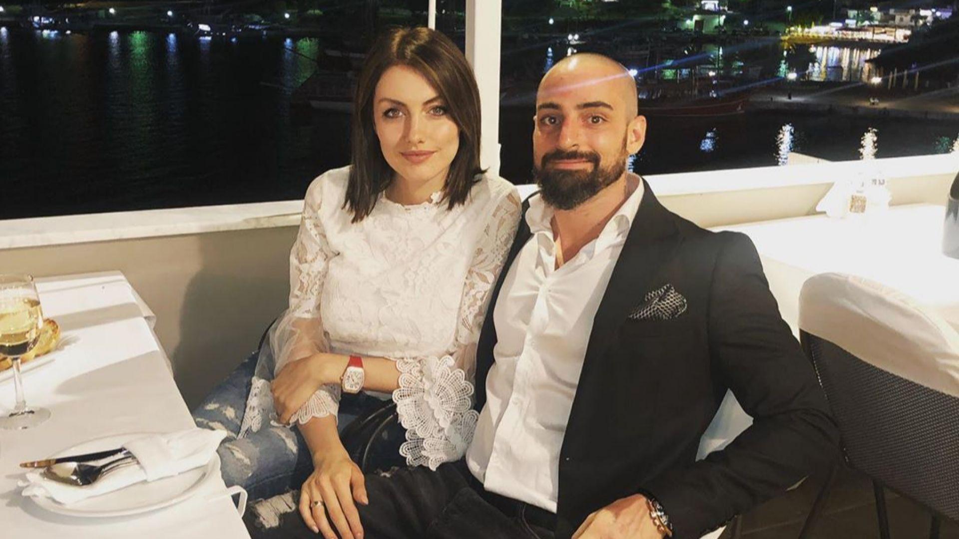 """""""Мис България"""" Марина Войкова отпразнува рожден ден в Гърция"""